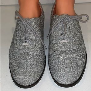 New TOMS Gray Oxford Lace Up Women's Size 8.5